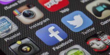 Hire Social Media Manager - unremot.com